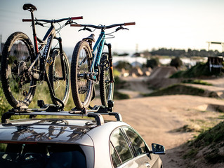 Cómo llevar correctamente la bici en el coche