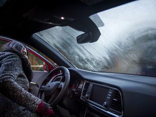 Vaho: cómo desempañar los cristales del coche