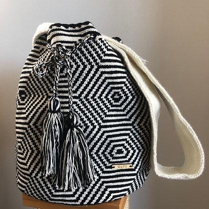 Black & White Wayuu bag