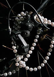 Cycling chain of pearls