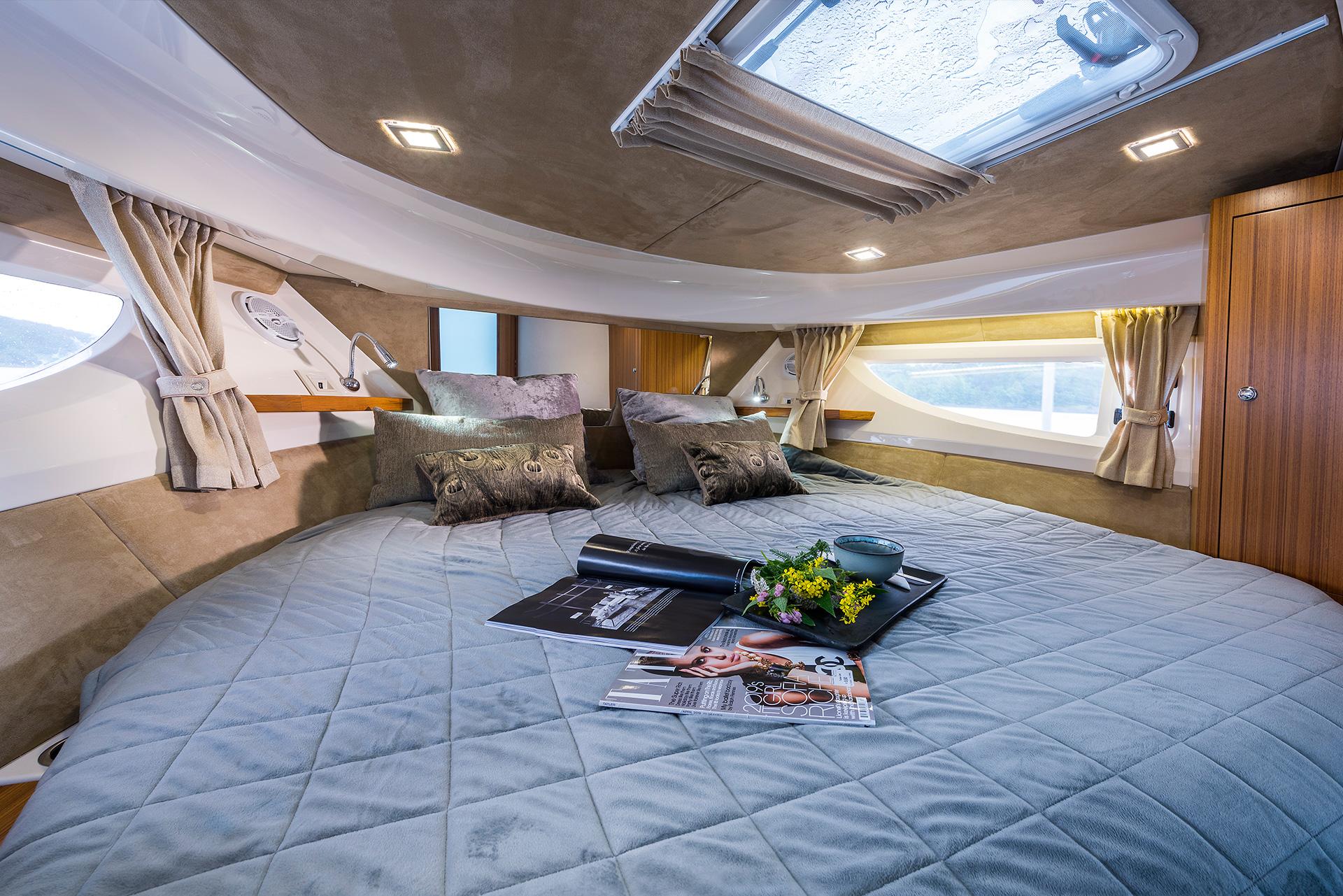 Marex-360CC-interior-2