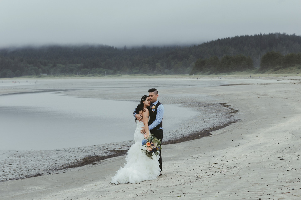 Lindsay and Zach Wed
