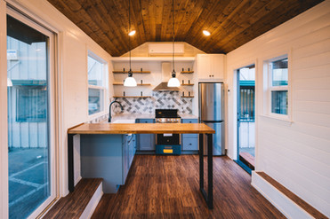 10' wide luxury tiny house kitchen