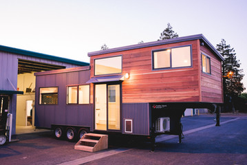 10'x28' gooseneck redwood siding tiny house
