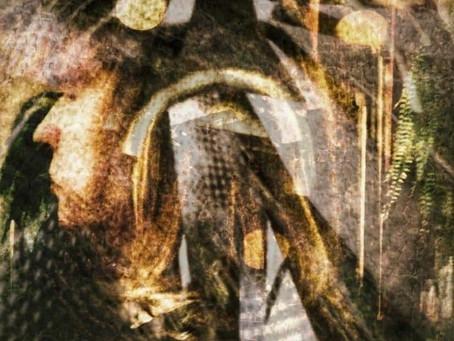 ГДЕ БОГИ МОЛЯТСЯ ЛЮДЯМ. Татьяна Виноградова выступила в «Стихотворном бегемоте»