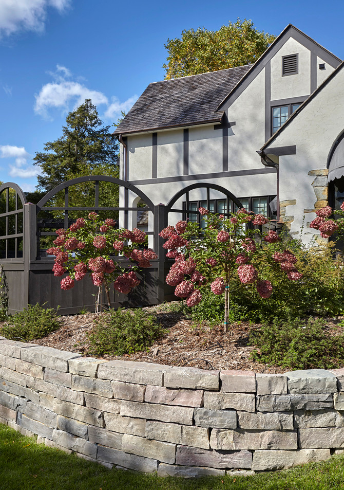 T_4632_retaining wall and fence.jpg