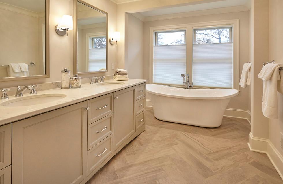 SC_4533_Master Bath.jpg