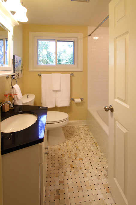 xT_4521_bathroom.jpg
