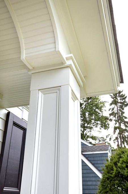 SC_4227_porch detail.jpg