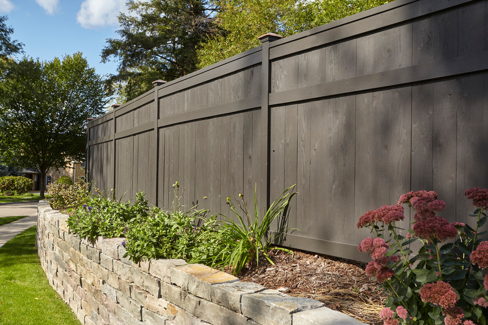 T_4632_solid fence.jpg