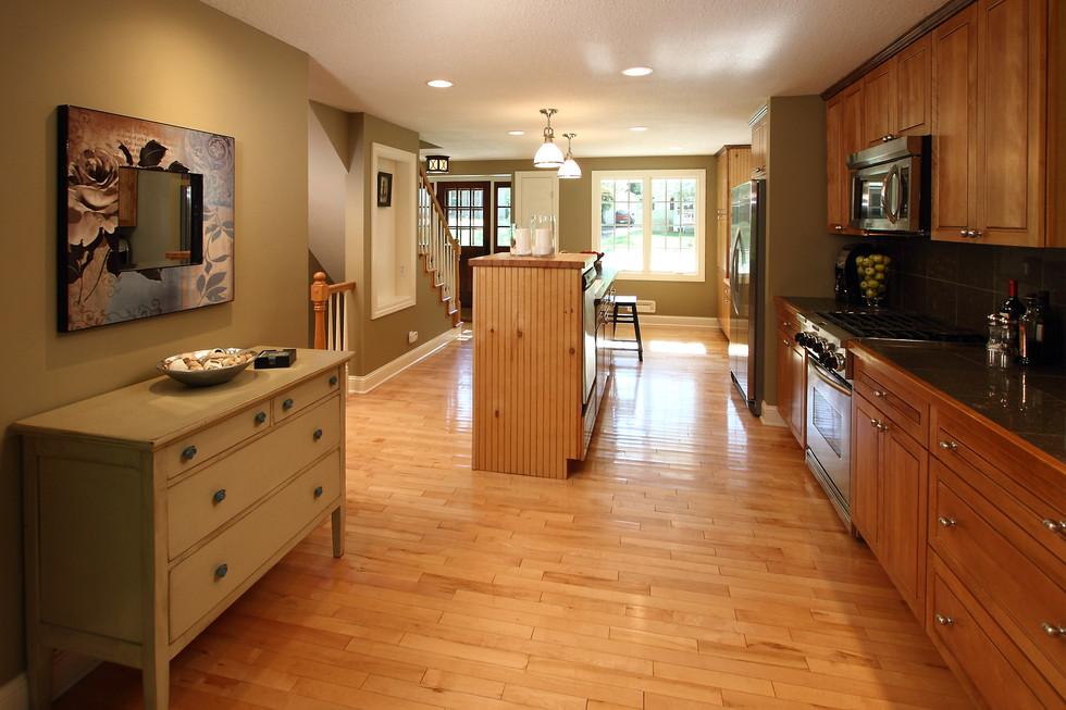 xT_4521_kitchen2.jpg