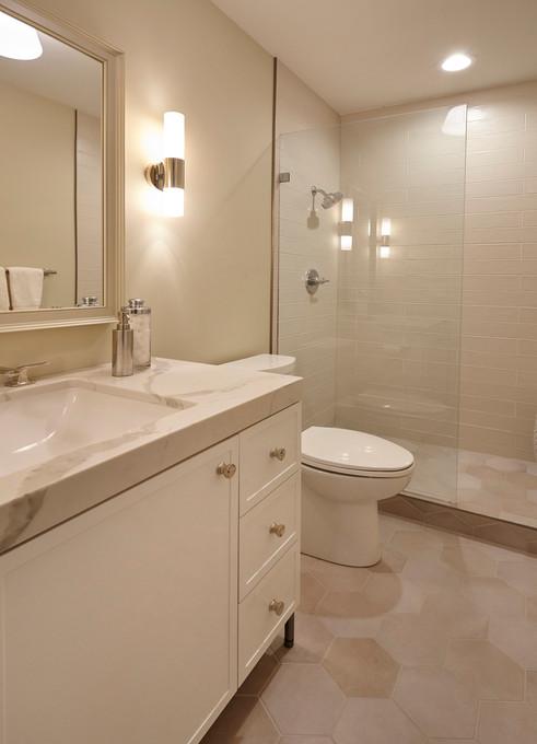 SC_60_lower level bath.jpg