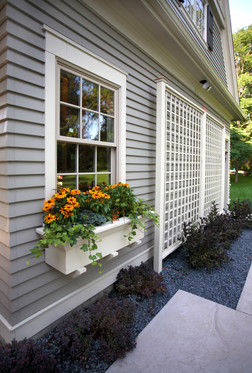 N_4517_Garage window box.jpg