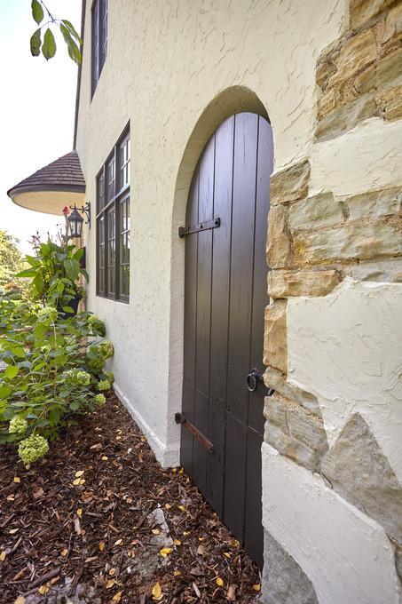 T_4632_side rounded door.jpg