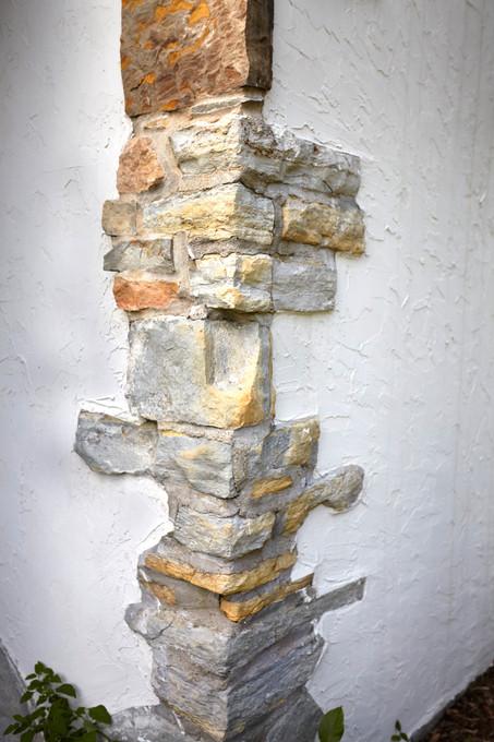 T_4632_stone work corner.jpg