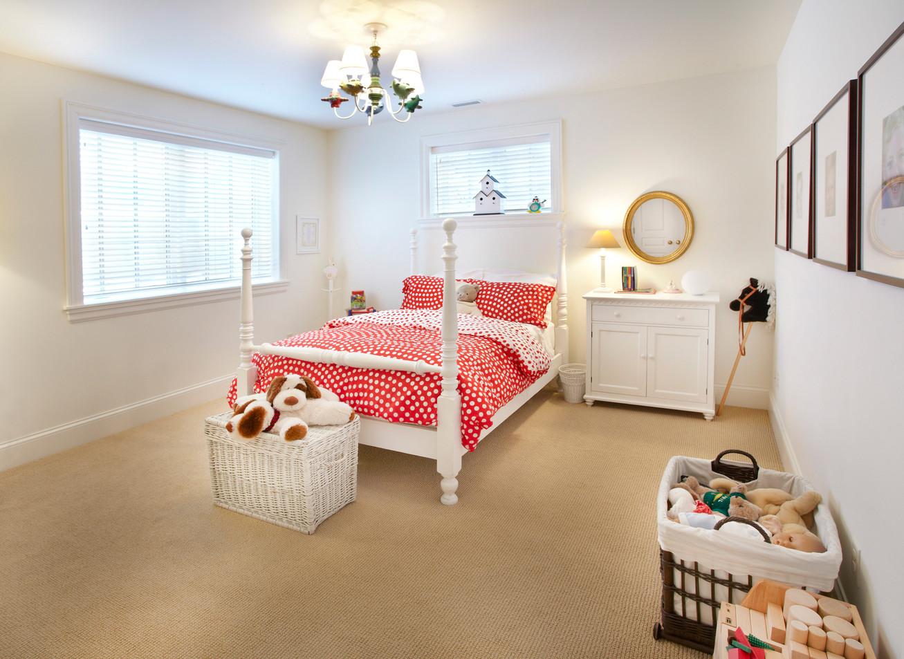 N_5285_lower bedroom.jpg