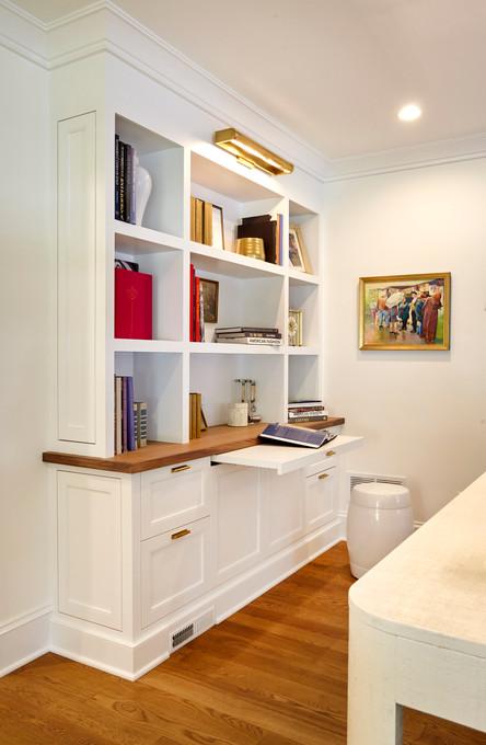 T_2747 Thomas_Living Bookshelf.jpg