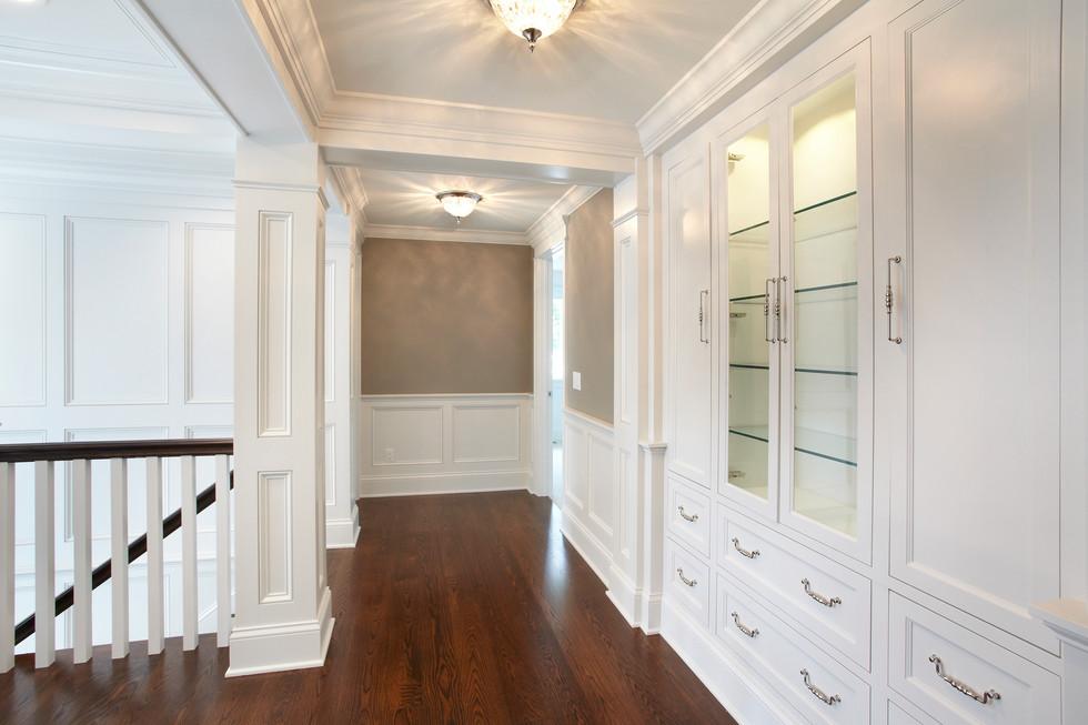 N_4524-upper hallway.jpg