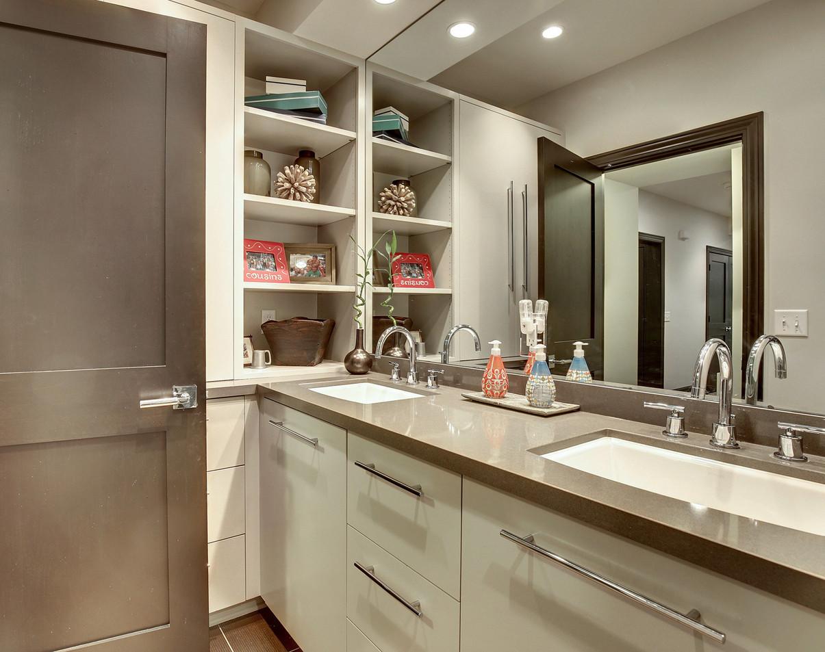 T_6515_LL Bathroom.jpg