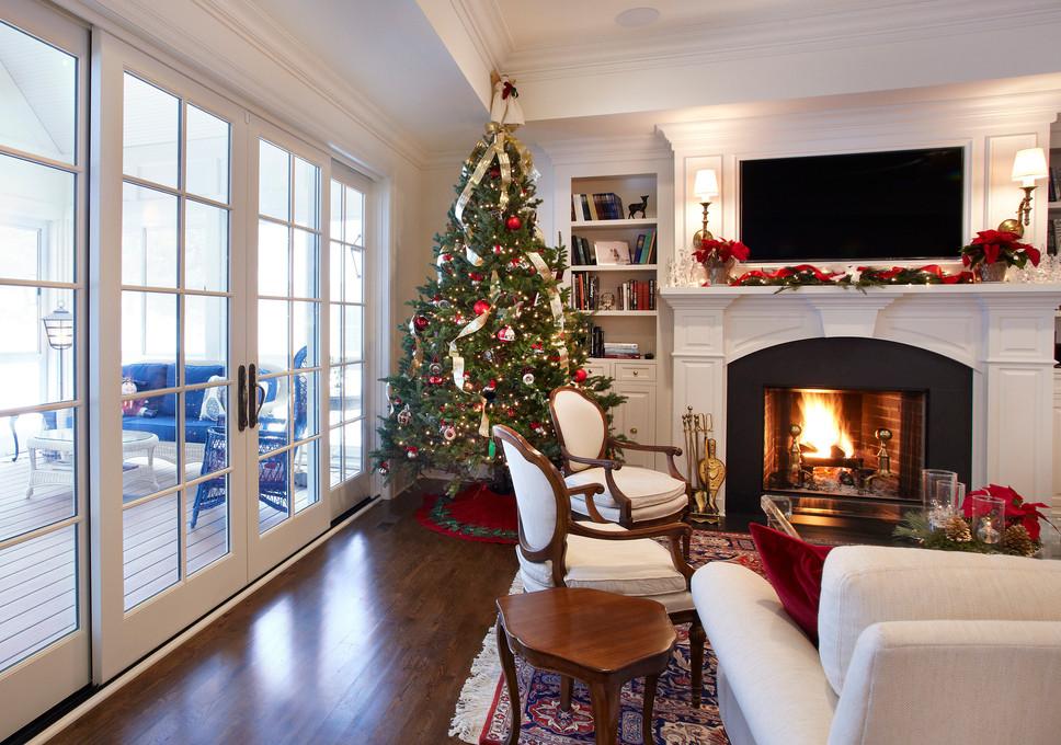 N_5285_Living Room Christmas.jpg