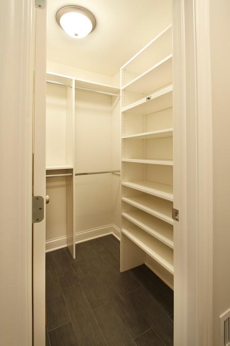 xN_4524_Closet.jpg