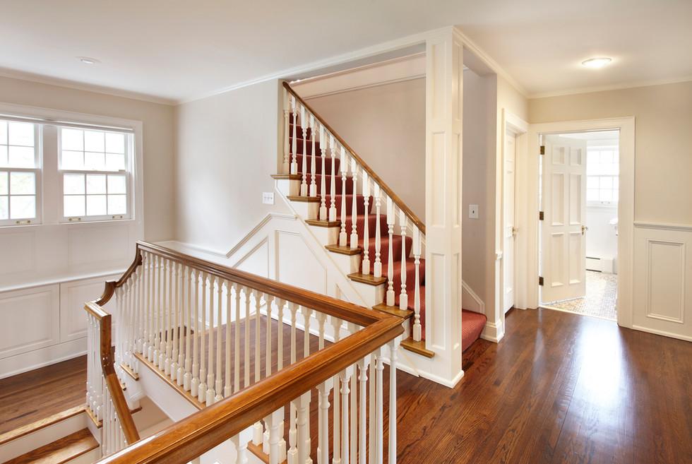 Rt_4606_Upper Hallway.jpg