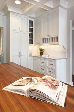 Rt_4606_cabinets.jpg