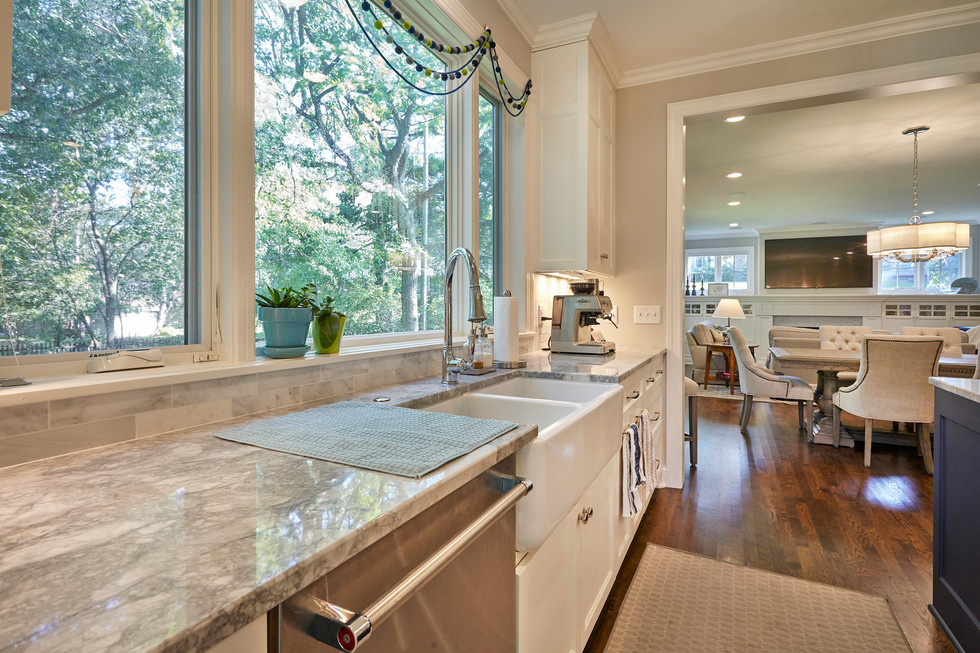 SC_4545_kitchen to Living.jpg