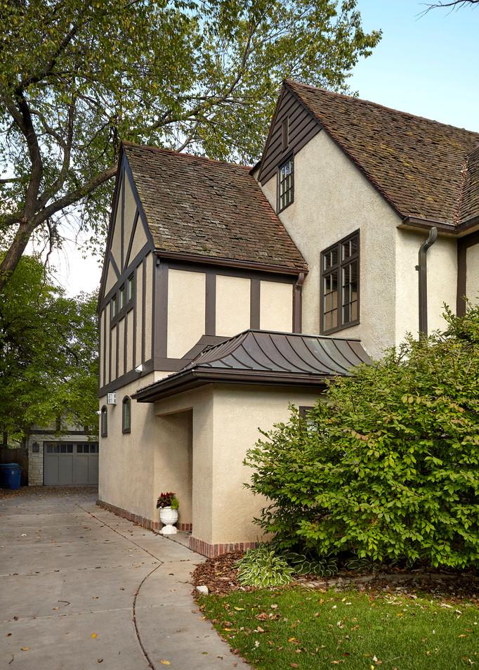 Rt_4600_driveway side.jpg