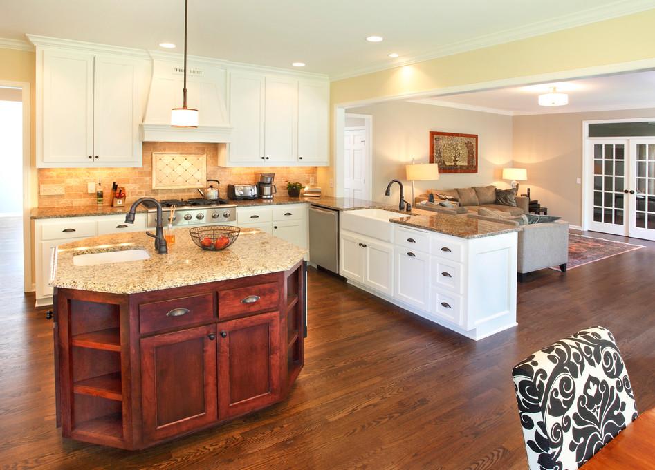 Rc_5721_Kitchen to LR2.jpg