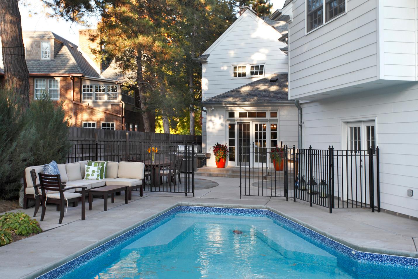 4504_pool patio.jpg