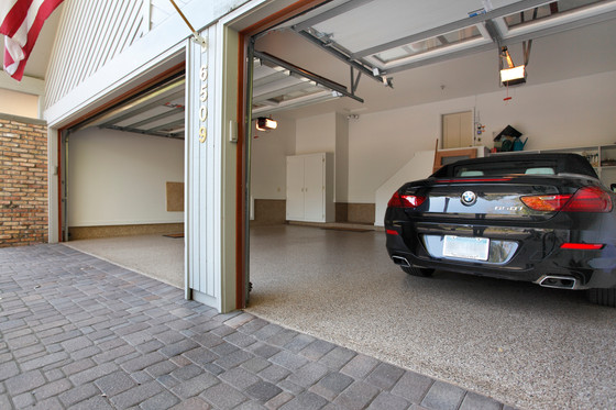 Rt_6509_garage open.jpg