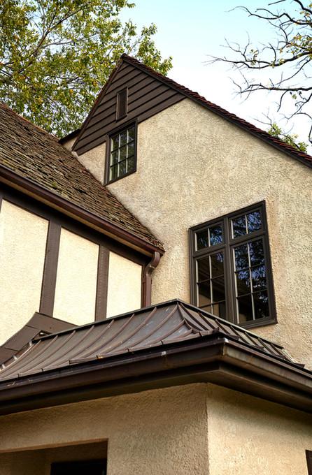 Rt_4600_windows roof detail.jpg