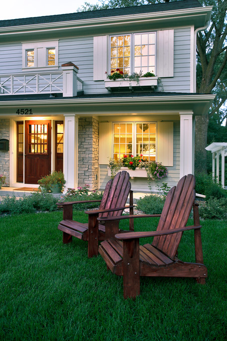 xT_4521_Front chairs.jpg