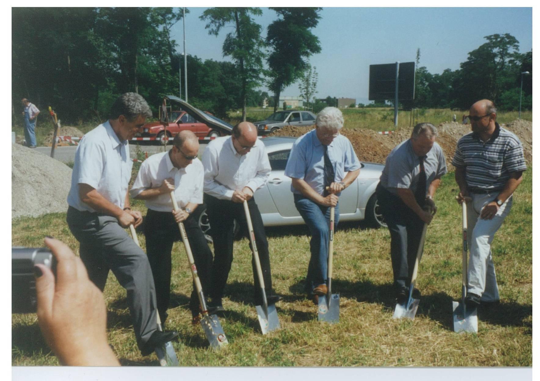 Spatenstich im Jahr 2000