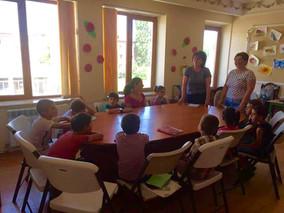 Գյումրու համայնքային գրադարանների աշխատակիցները Դեպի առաջում