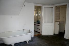 BEFORE-bath.jpeg