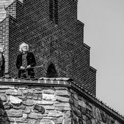 2018-05-17-at-the-top-of-the-castle_bw.j