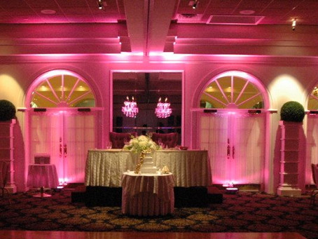 THE BENEFITS OF INCLUDING UPLIGHTING IN YOUR WEDDING DJ PACKAGE