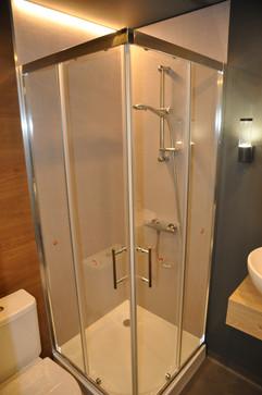 interior_shower.jpg