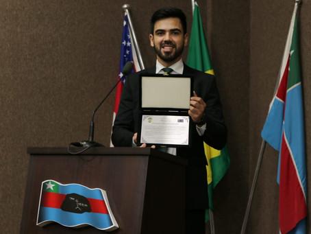Defensor público Oswaldo Neto recebe título de Cidadão Itacoatiarense