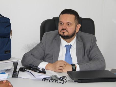 Defensoria Pública reúne com servidores da saúde que não recebem salários há cinco meses