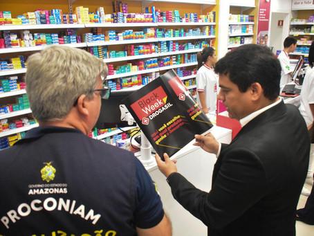 Defensoria e órgãos de defesa do consumidor fiscalizam ofertas deBlackFridayem Shopping de Manaus