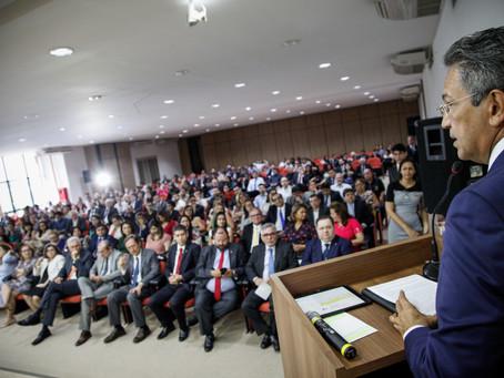 Defensores públicos participam de aula magna da Esmam com ministro do STJ