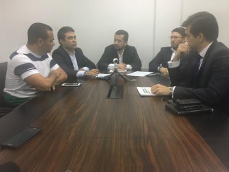 Usuário do transporte público de Manaus tem assegurado o direito de poder pagar passagem em dinheiro