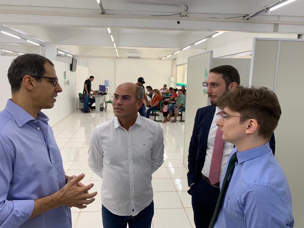 Defensor geral Rafael Barbosa visita pol