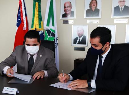 DPE e Ufam firmam parceria para aperfeiçoar formação de defensores, servidores e colaboradores