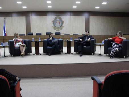 Relatos de violência contra a mulher comovem participantes da 9ª edição do Tribuna Jurídica da Esmam