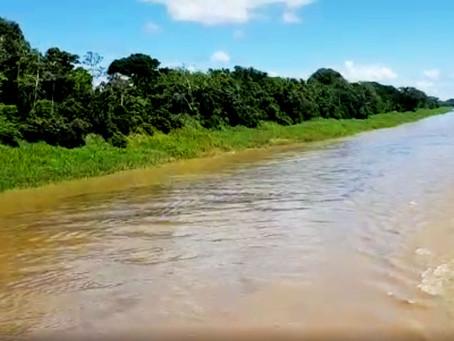 Justiça determina que empresa paralise descarte ilegal de óleo em rio