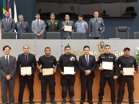 Defensor participa de homenagem a policiais civis e militares na Câmara Municipal